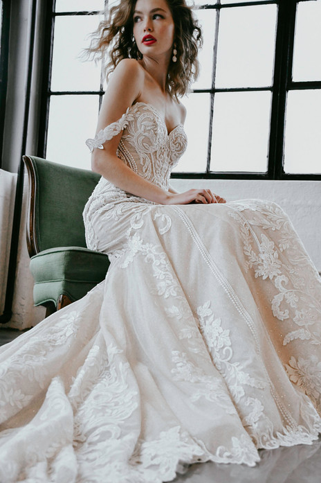 1267 Martina Liana   Rebecca's   Wedding Dresses Louisville, KY
