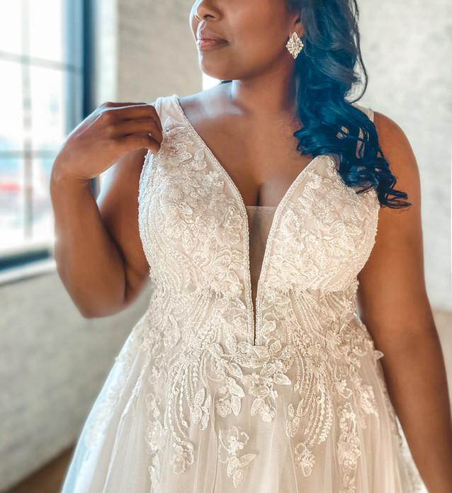 D3151 Essense of Australia   Rebecca's   Wedding Dresses Louisville, KY
