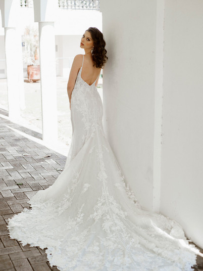 1305 Martina Liana   Rebecca's   Wedding Dresses Louisville, KY