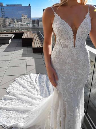 1305 Martina Liana | Sexy Fitted Beaded Lace Wedding Dress