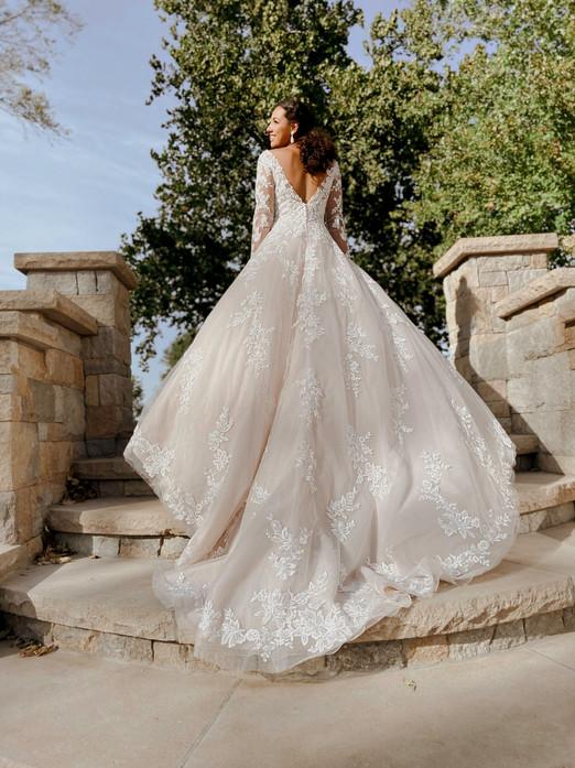 7169 Stella York   Rebecca's   Wedding Dresses Louisville, KY