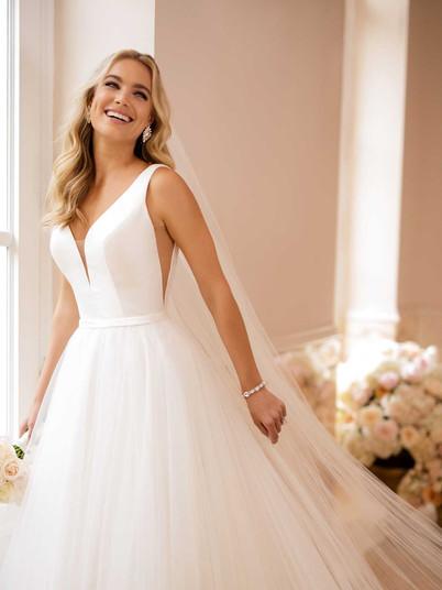 6581 Stella York | Rebecca's | Wedding Dresses Louisville, KY