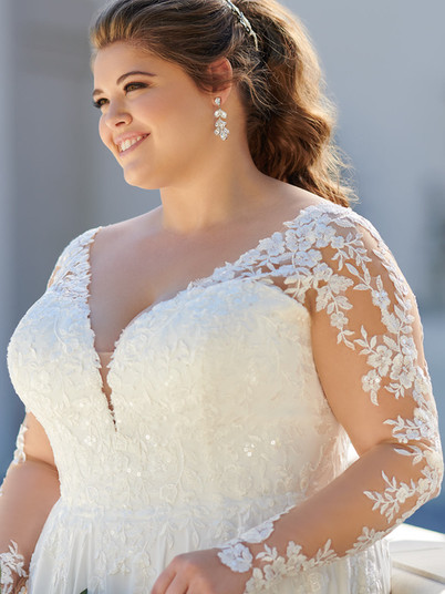 6843 Stella York | Rebecca's | Wedding Dresses Louisville, KY