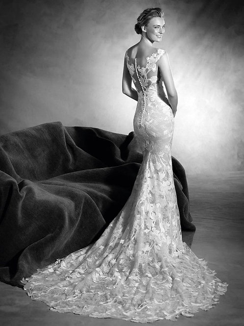 Niebla by Pronovias