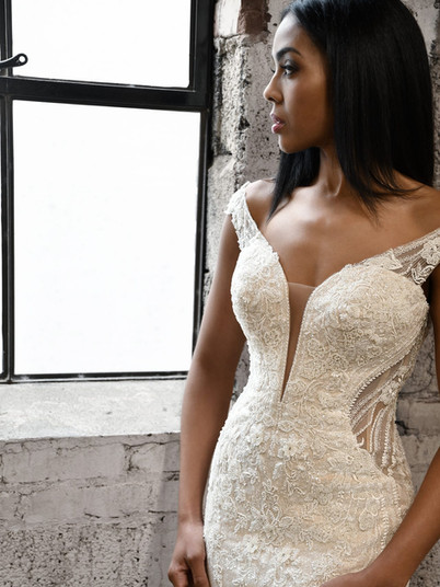 1338 Martina Liana   Rebecca's   Wedding Dresses Louisville, KY
