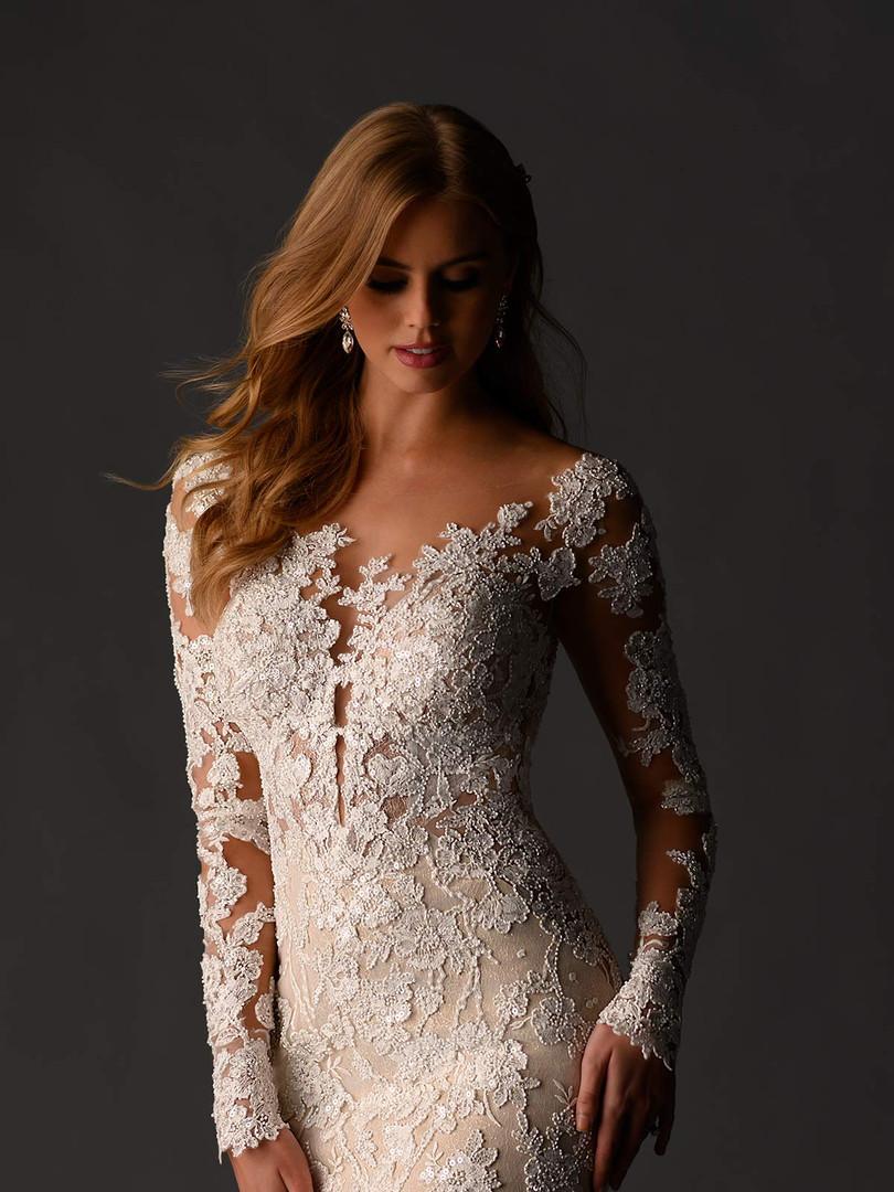 1119 Martina Liana | Sexy Long Sleeve Lace