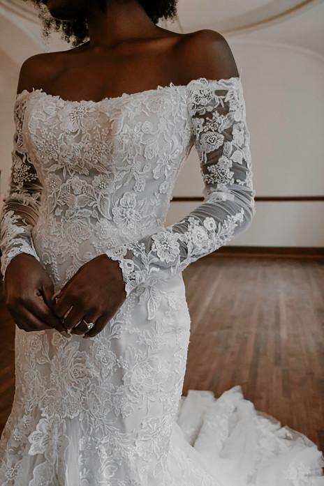 D3255 Essense of Australia   Rebecca's   Wedding Dresses Louisville, KY