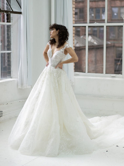 1371 Martina Liana   Rebecca's   Wedding Dresses Louisville, KY
