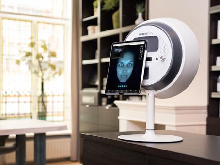Waarom je best je huid laat scannen via het Observ huidanalyse-apparaat