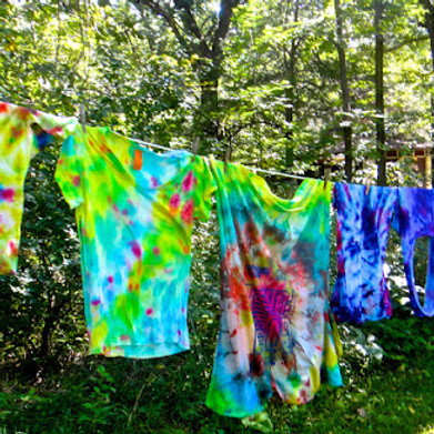 Tie-dyed T-shirts suitable 5+