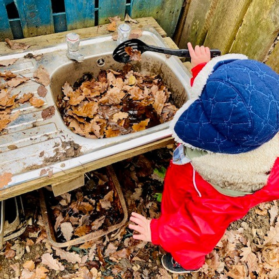 Wednesday Forest School (2-4 year olds) 12:45pm-2:45pm  Sep-Oct