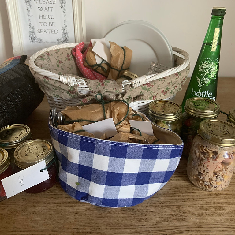 Summer Picnic Baskets - an outdoor eating experience