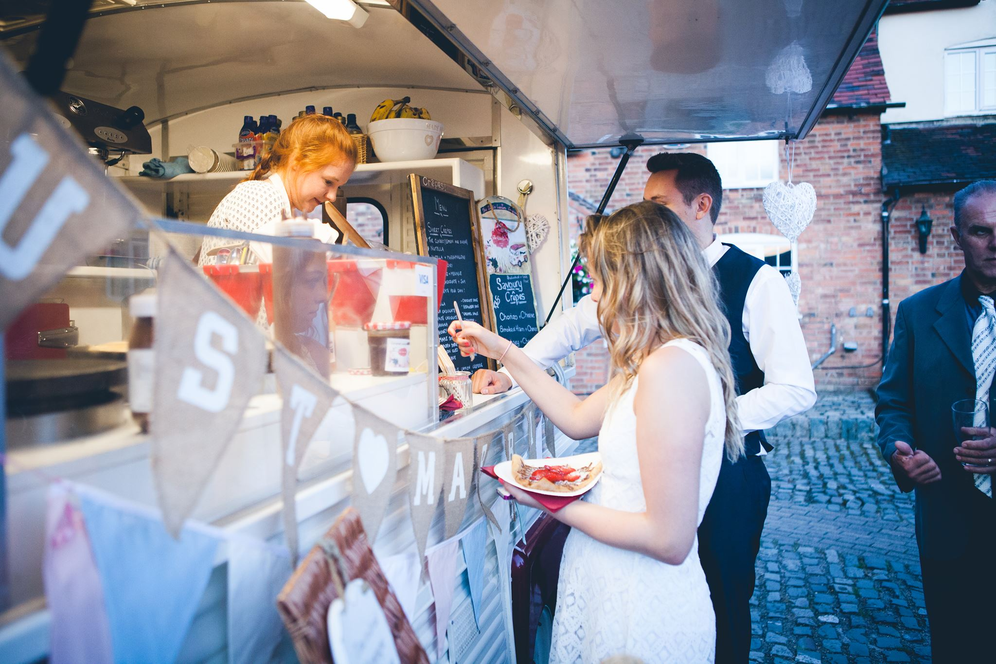 Rustice Wedding Crepe Van