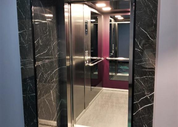 В Мурманске тоже существуют лифты...
