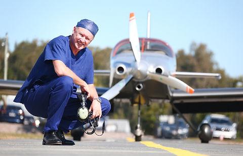 Dr Ross Sharpe[1].jpg