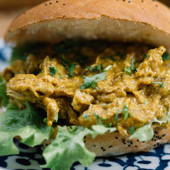 CHICKEN CURRY BAGEL.jpg