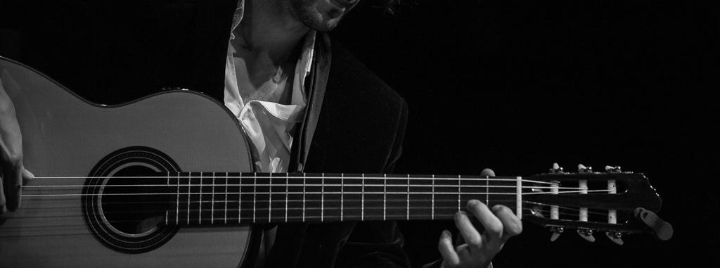 Online Latin Guitar Lessons | Sonanta School of Music