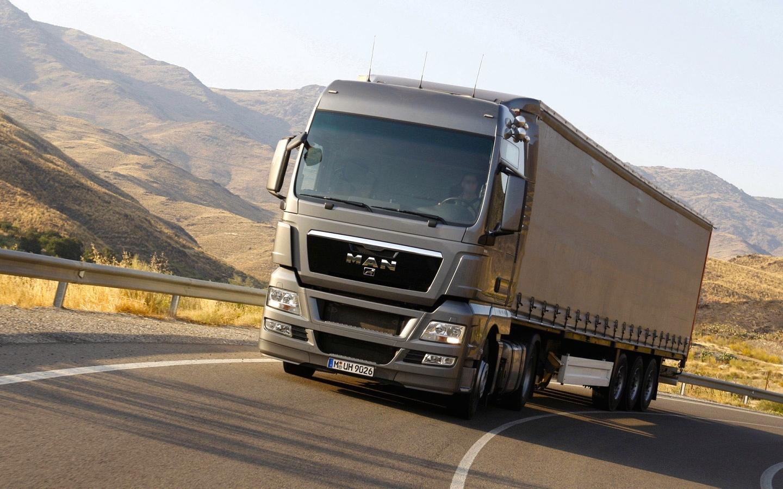 man-truck-test-drive-1440x900.jpg