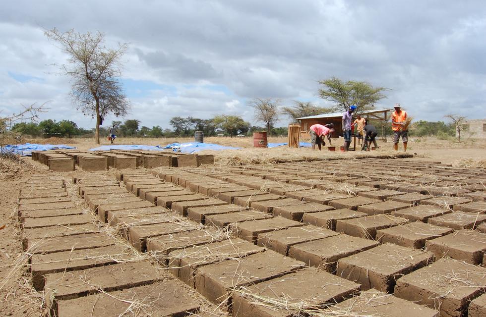 Sun dried Earth blocks