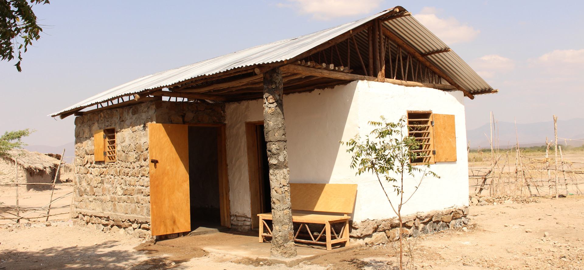 Rammed Earth and River rocks house, Mikocheni