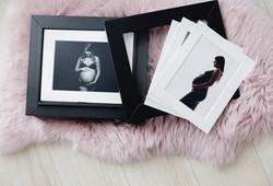 Babybauch Bilder in Passepartouts