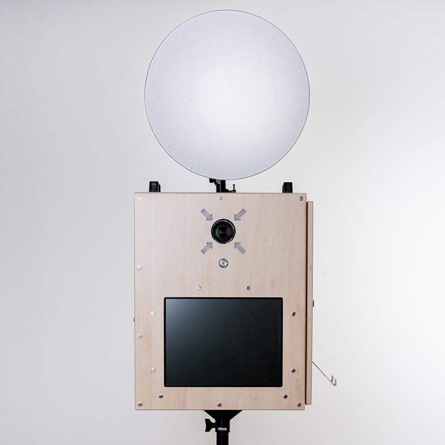 Fotobox mit Blitzlampe