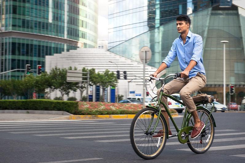 City-Commuter_H_Lifestyle_edited.jpg