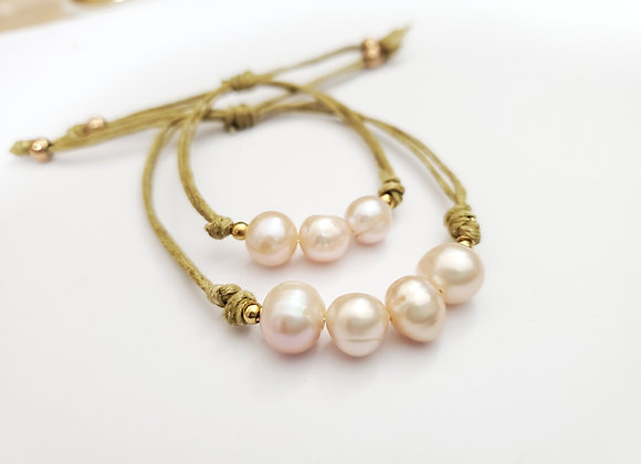 Mom and Daughter Pearl Bracelet Set