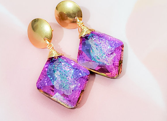 Shine on! Shades of Purple Earring