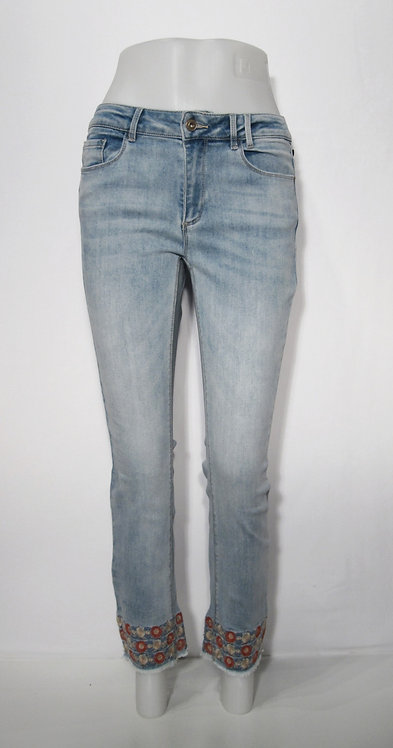 Jeans by Charlie B C5216
