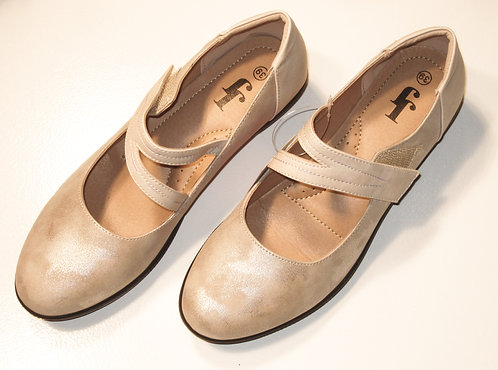 Cap toe Flats by JJ's     A-121