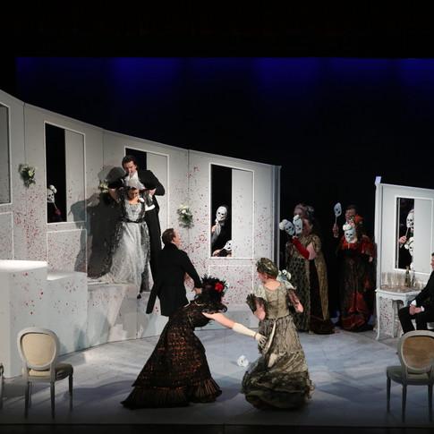 La Traviata, Chorus