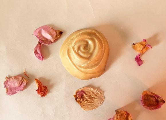 Savon floral à la rose