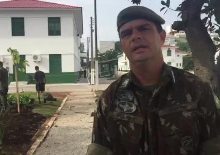 Batalhão de Infantaria do Exército homenageia a gestora da Pedrita