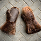 Beaver fur and leather gauntlet mitts