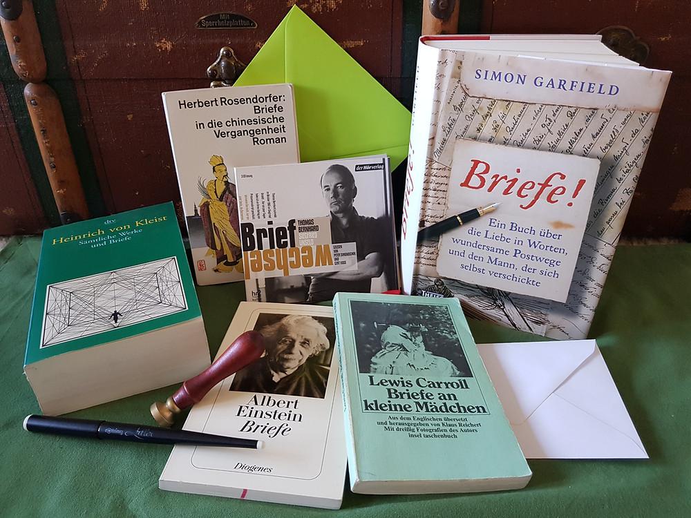 Briefe, Letters, Schreiben, Bücher, Sammlung, grün, weiß, Siegel, Feder, Hörbuch