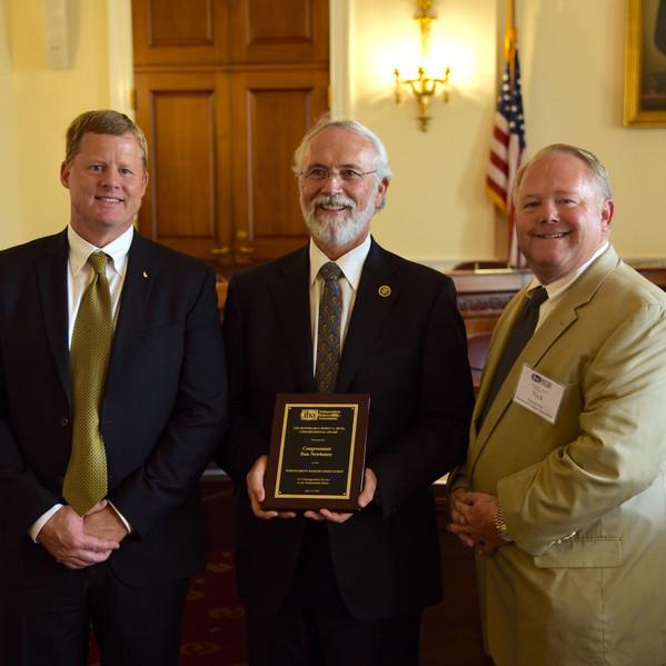 IBA President Nick Pyle Presents Congressman Dan Newhouse (R-WA) with IBA's 2016 Horst G. Denk Legislative Service Award