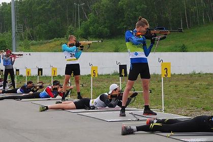 whatsapp_image_2020-08-10 Биатлонисты стреляют на стрельбище_at_184431.jpg