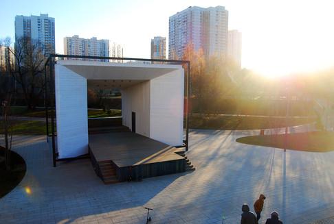 Сцена и амфитеатр. Реализация.