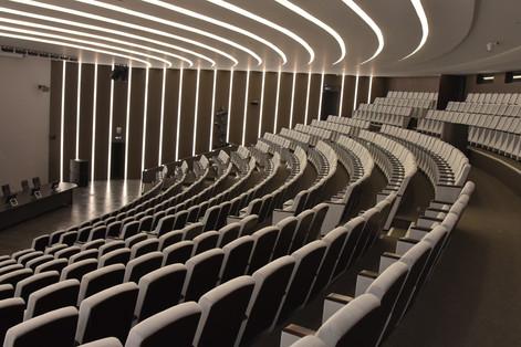 Общий вид зала
