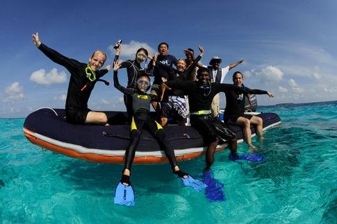 Manta_Expedition_Snorkel_Team,_Veyofushi_Reef,_Baa_Atoll,_Maldives_©_Guy_Stevens_Manta_Trust_2014.JPG