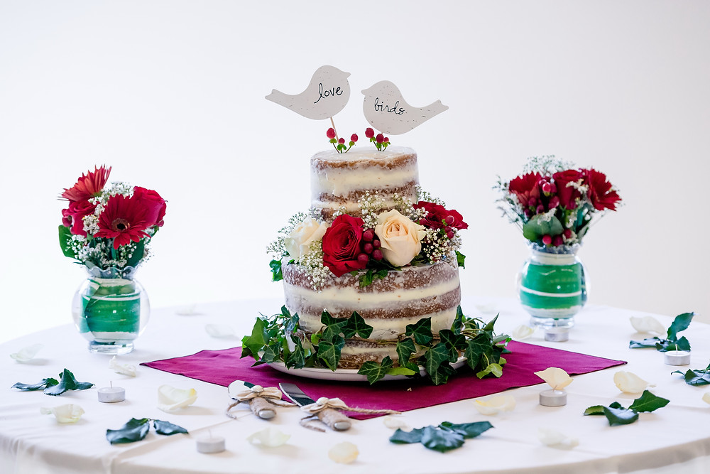 wedding cake with love birds
