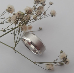 Gents 7mm Wide Beveled Edge Ring