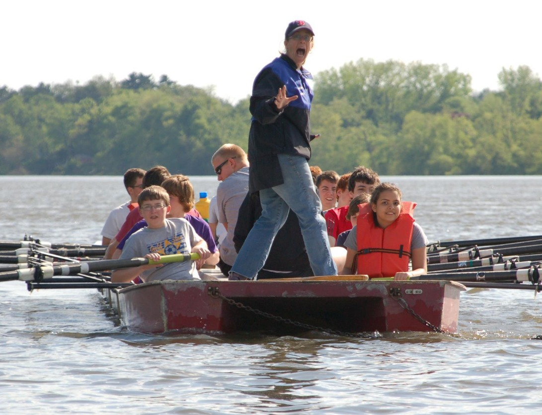 Learn in the stable rowing barge