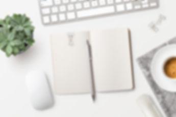 Notesblok på skrivebord