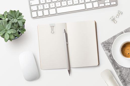 Notatnik na biurku