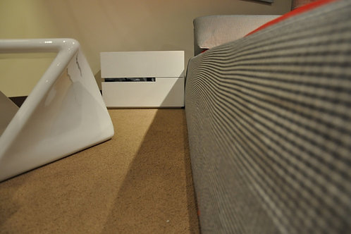 Mesa de noche diseño moderno Ref: Diroto (55X40X40)
