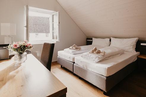 Doppelbett im Augarten.jpg
