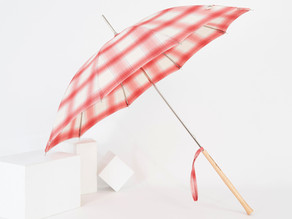 Umbrellas from le Parapluitier and Persona : what is the link ?