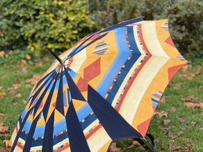 Le Parapluitier répare et recycle des parapluies dans sa Collecterie.